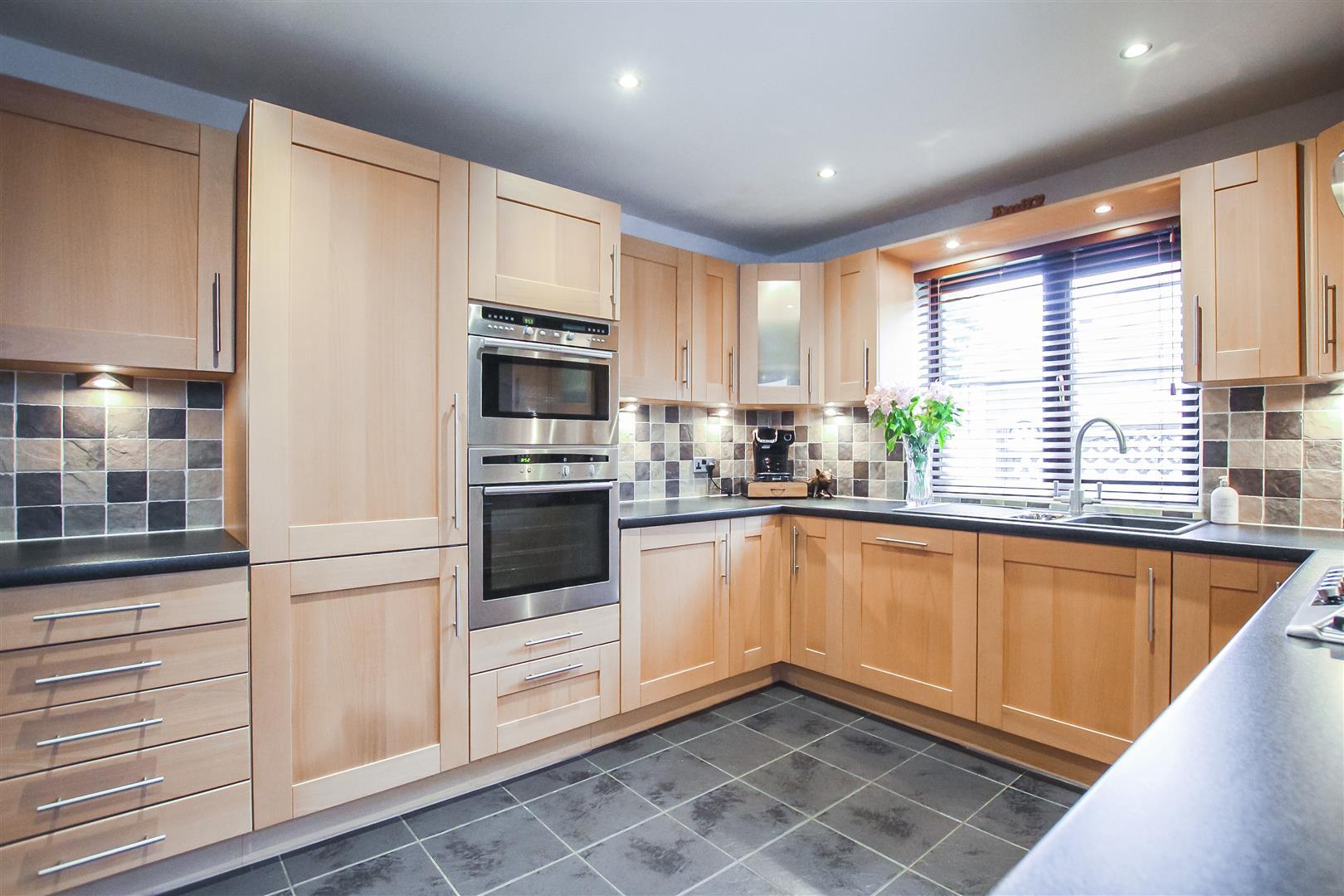3 Bedroom Terraced Cottage For Sale - Main Image